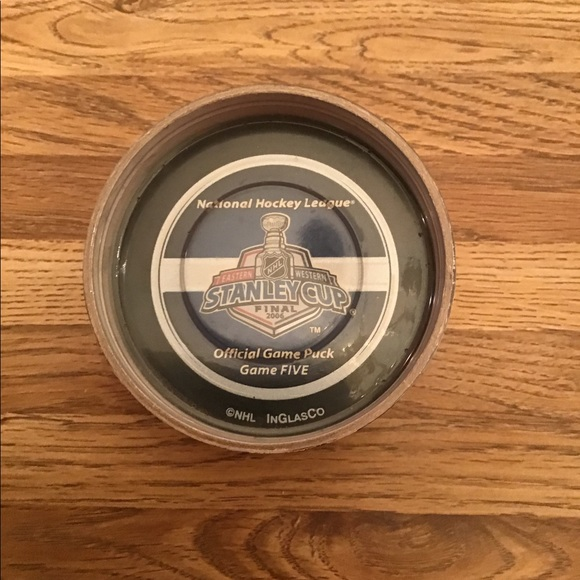 NWT Game 5 Stanley Cup Puck Carolina Hurricanes